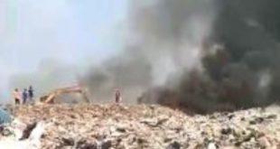 Kebakaran gunungan sampah di TPA Burangkeng, Jum'at (02/08)